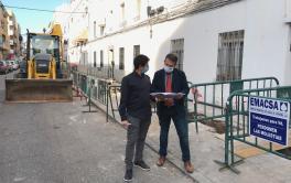 Emacsa comienza las obras de renovación de la red de abastecimiento de Valdeolleros