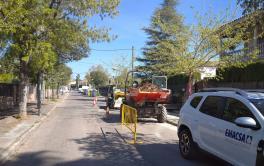 Emacsa realiza obras de renovación en la red de abastecimiento de El Tablero, fase